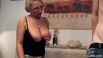 die im faust arsch Babe with big natural tits in action